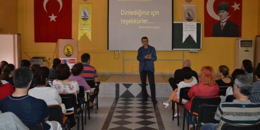 """Öğretmenler """"Tecrübe Paylaşımı"""" semineri"""