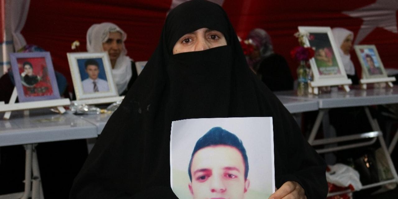 HDP önündeki evlat nöbetine 7 aile daha katıldı