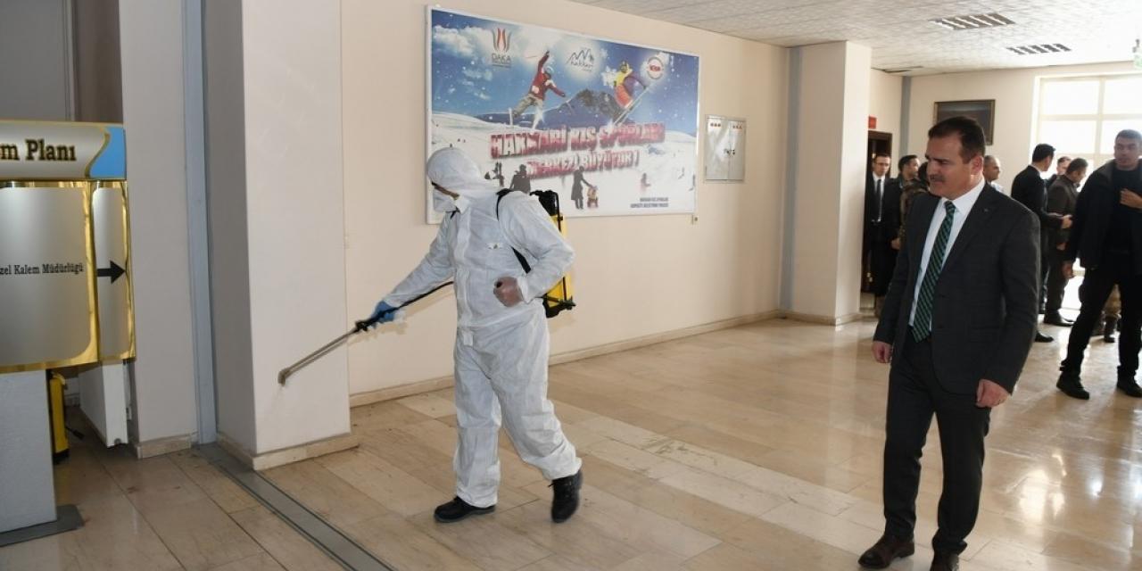 Vali Akbıyık, dezenfekte çalışmalarını denetledi