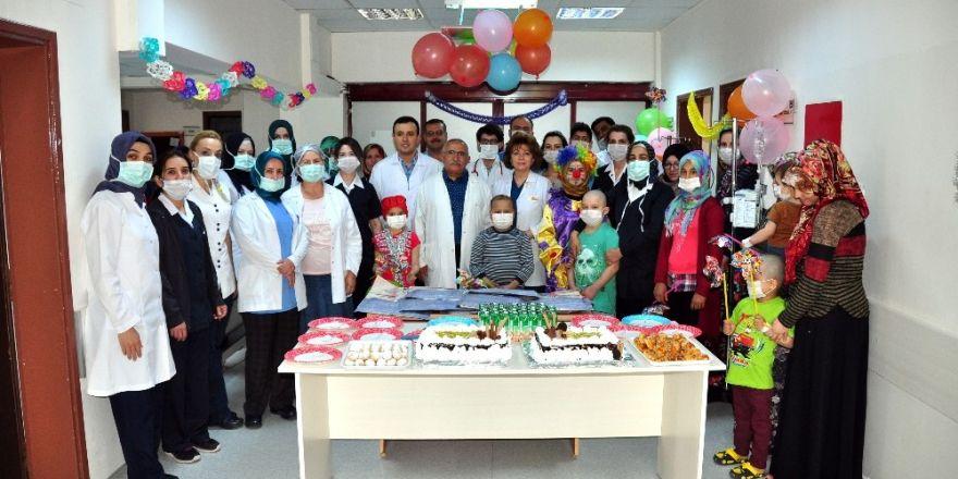 Meram Tıp Fakültesi'nde çocuklar bayramı erken yaşadı