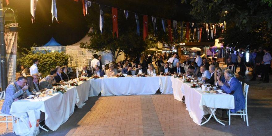 İstanbul Boğazı Belediyeler Birliği üyeleri sahurda buluştu