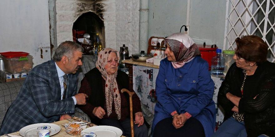 """Başkan Çelik: """"Yaşlılarımız yalnız değil"""""""