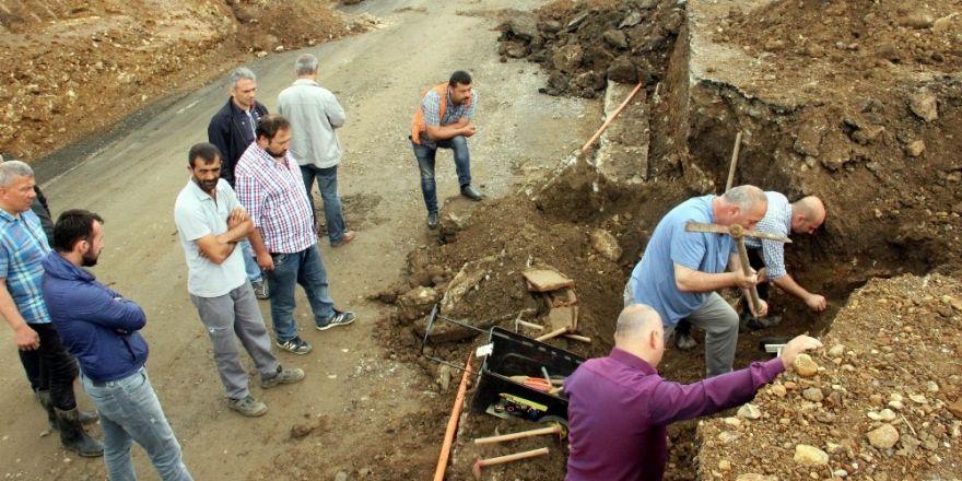 Samsun'da yol çalışmasında 2 tarihi mezar bulundu