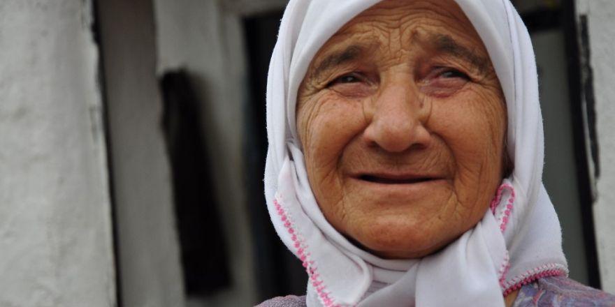Milas'ta  70'lik ninenin yaşam mücadelesi