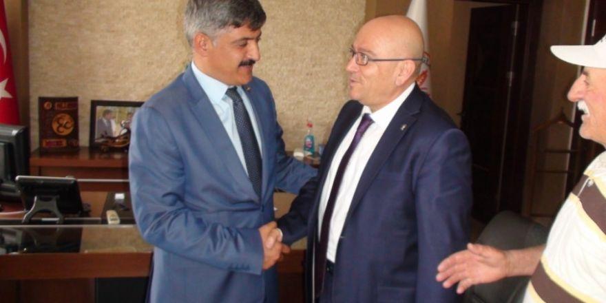 Sarıoğlan'da Yusuf Akbulut Belediye Başkanı Oldu