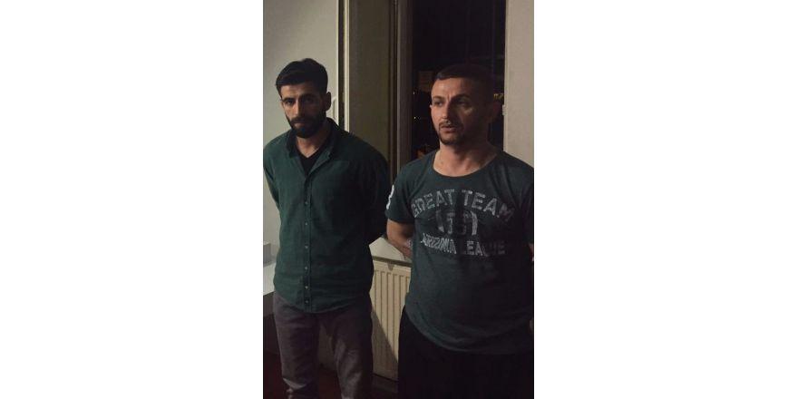 Ümraniye'deki taksi durağına mermi yağdıran saldırganlar yakalandı