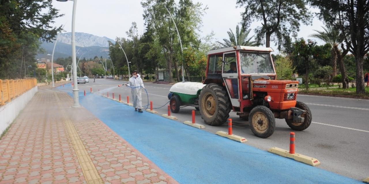 Tekirova'da dezenfekte çalışmaları devam ediyor