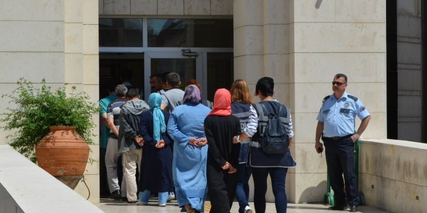 FETÖ/PDY operasyonunda adliyeye sevk edilen 14 kişiden 12'si tutuklandı