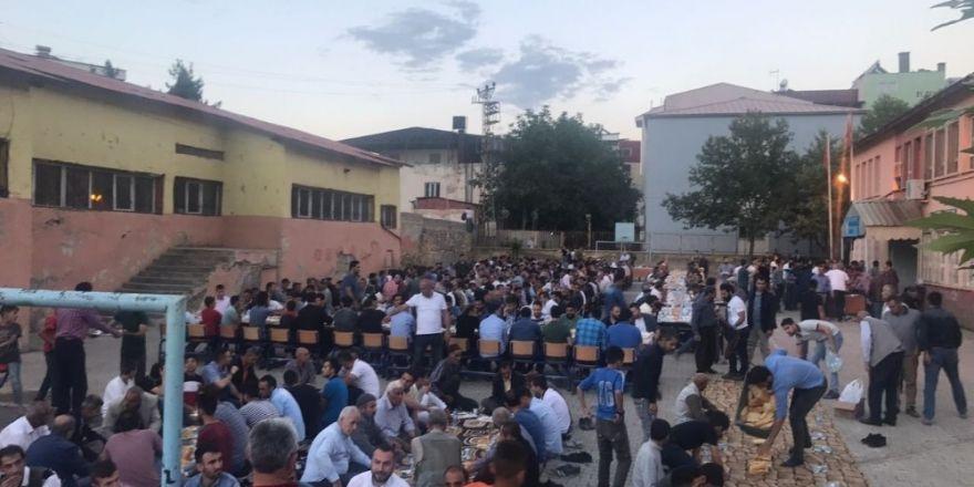 Pervari Belediyesinden 800 kişiye iftar