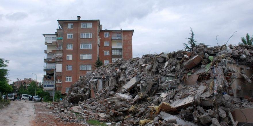 'Evimizi yıkın' eylemi