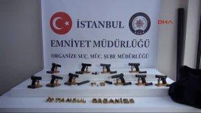 İstanbul Üniversitesi'nde ele geçirilenler sergilendi