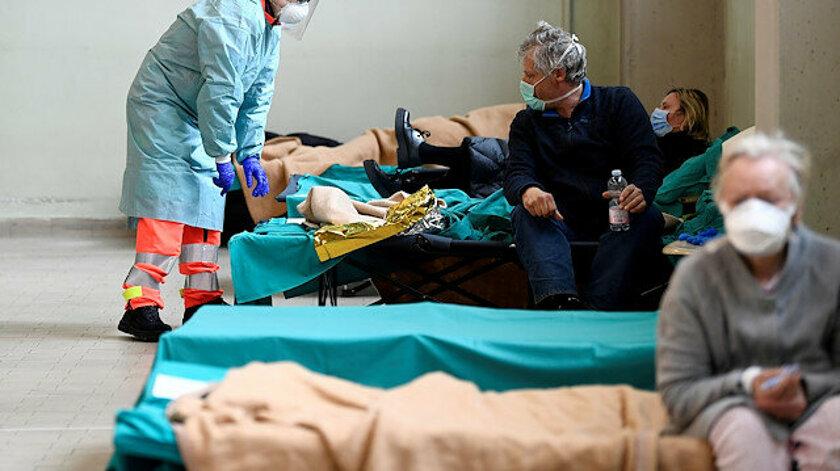 İtalya'da koronavirüsten bir günde 837 kişi hayatını kaybetti