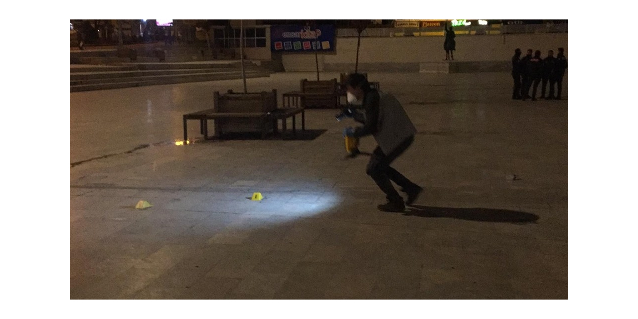 Meydanda kadını silahla vurup yaraladı