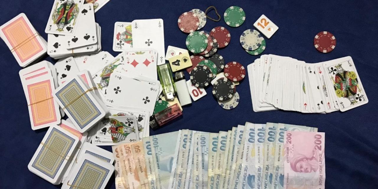 Villaya baskında kumar oynayan 13 kişiye 57 bin 200 TL para cezası