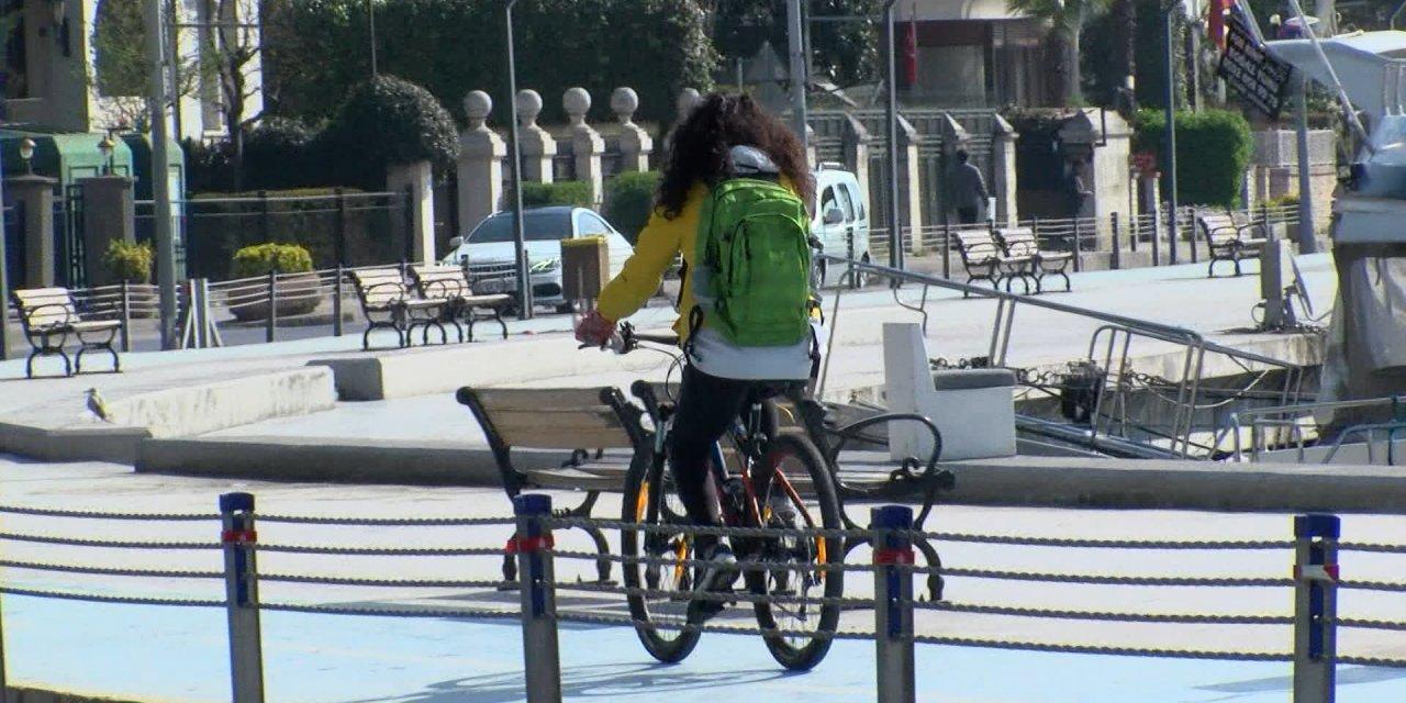 Yasağa rağmen Bebek sahilinde bisiklet sürüp yürüyüş yaptılar