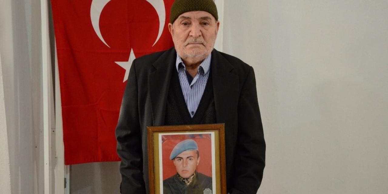 Şehit babası 3 maaşını kampanyaya bağışladı