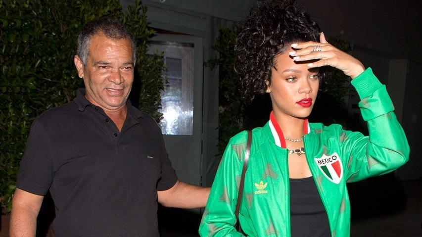 Rihanna'dan babasına 700 bin dolarlık solunum cihazı