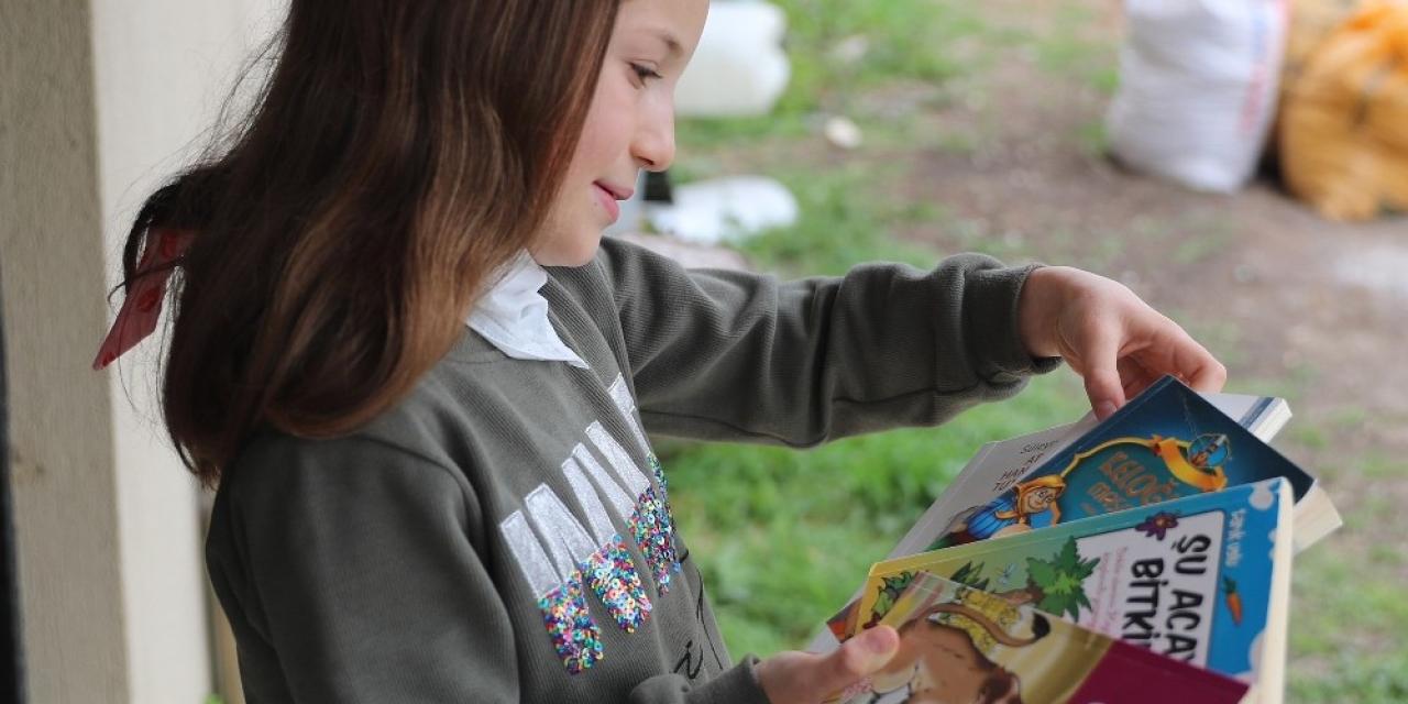 İlkokul öğrencisi Aleyna Başkan Örki'den kitap istedi