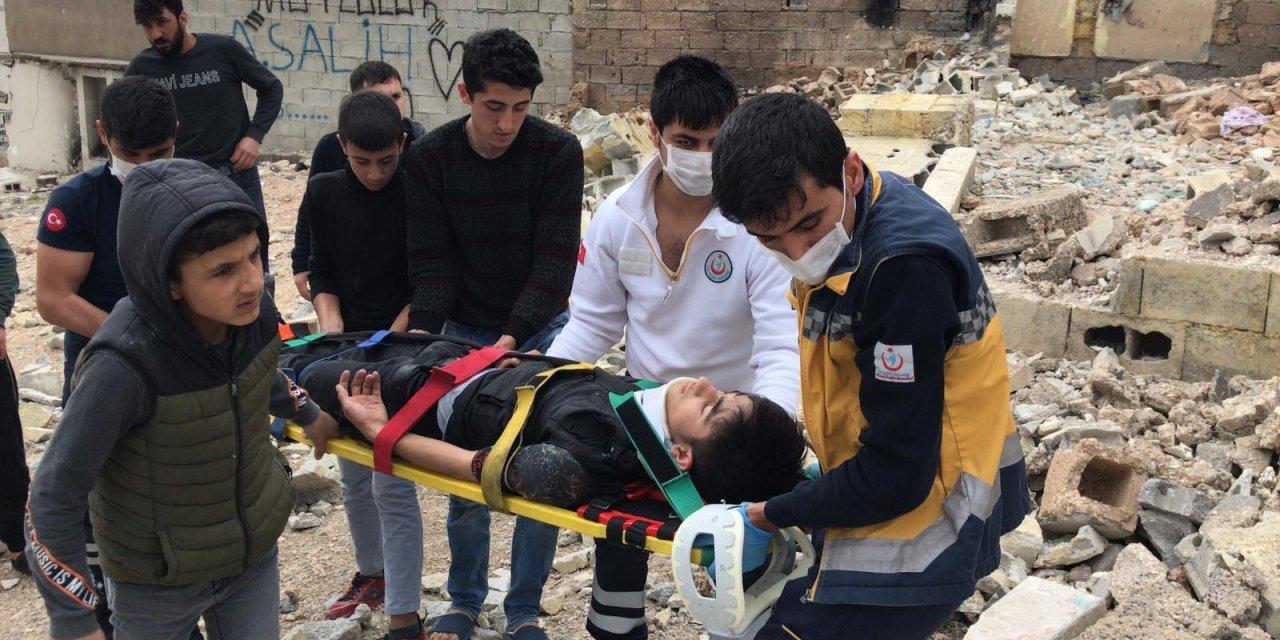 Şanlıurfa'da metruk ev çöktü: 2 kardeş yaralandı