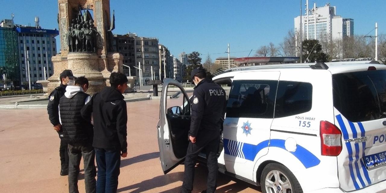 Taksim'de sokağa çıkan gence ceza