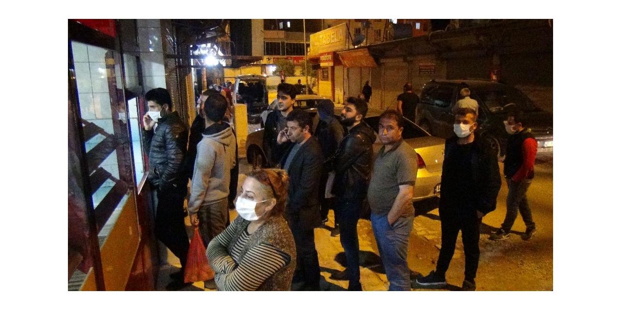 Kızıltepe'de vatandaşlar marketlere akın etti