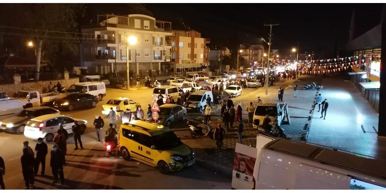 Antalya'da vatandaşlar fırın ve marketlere koştu