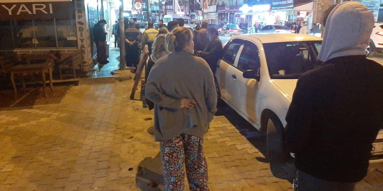 İzmir'de sokağa çıkma yasağını duyanlar büfe ve fırınlara koştu