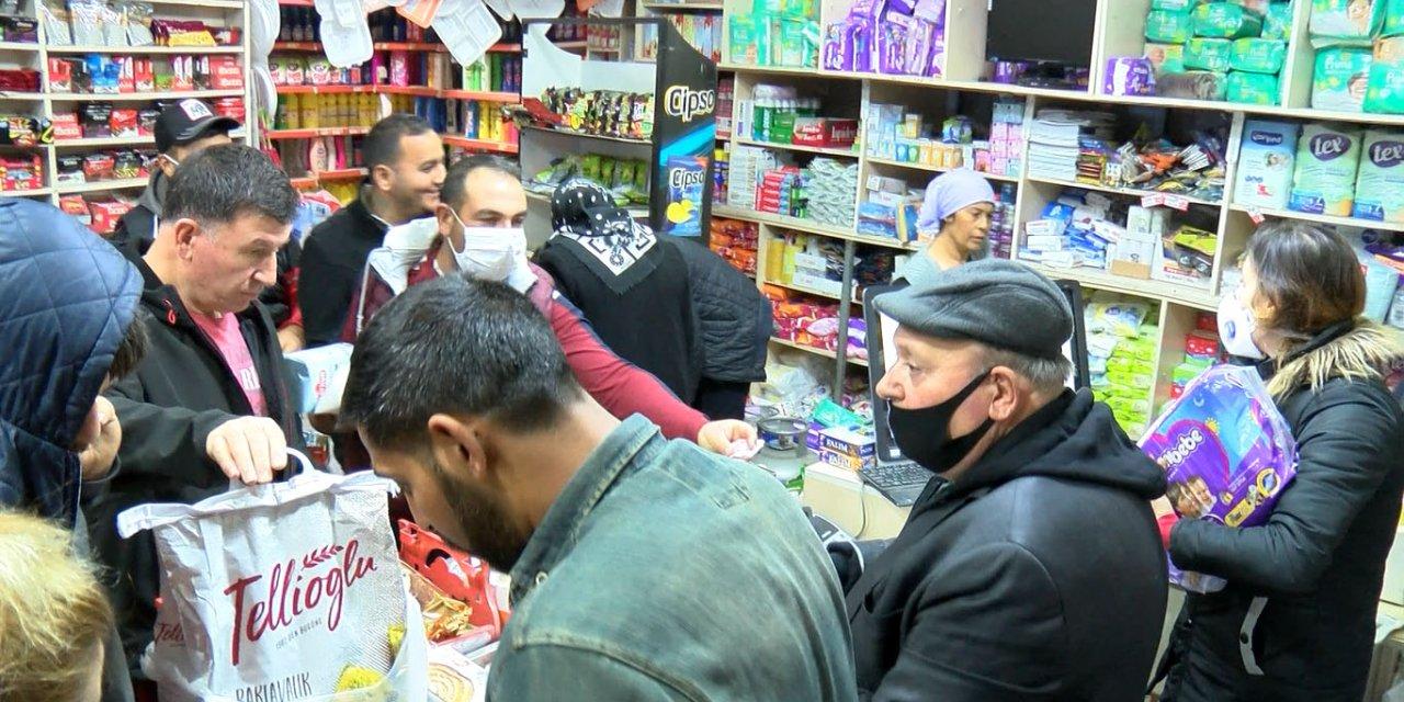 Balıkesir'de sokağa çıkma yasağını duyanlar market ve fırınlara akın etti