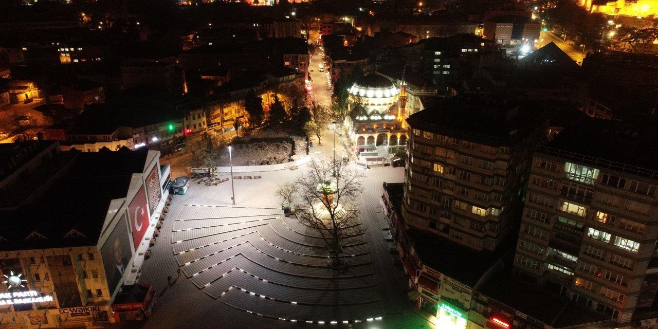 Bursa'da fırın ve marketlerde uzun kuyruklar oluştu (2)