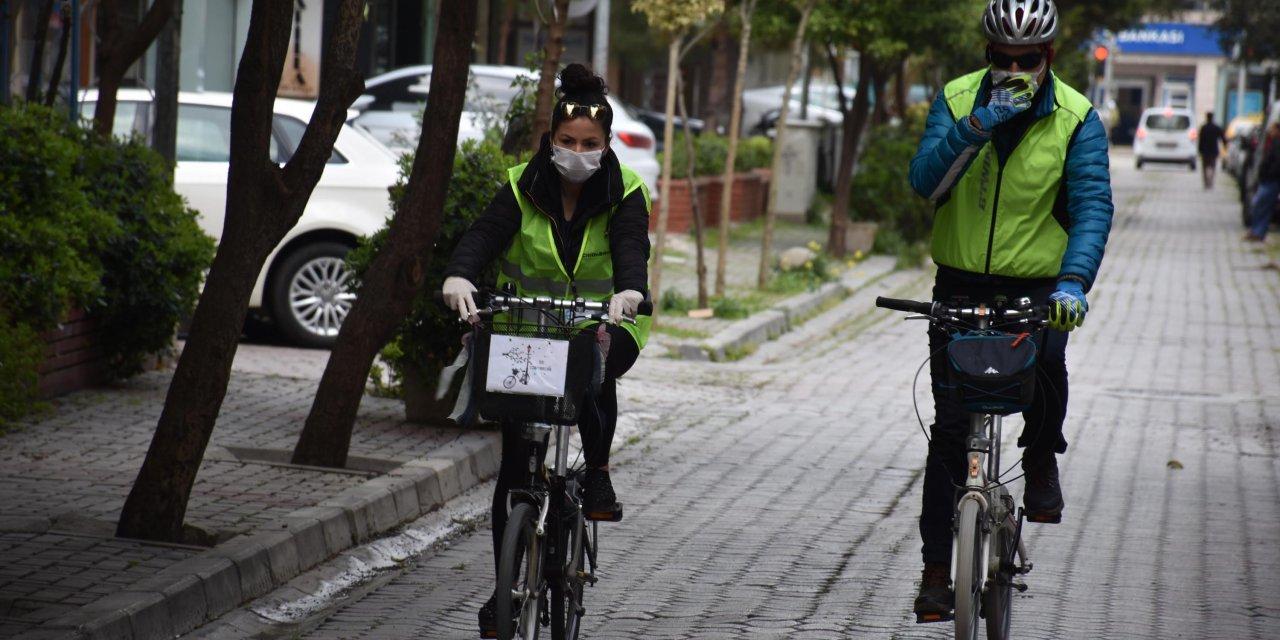 Bisiklet tutkunları iyilik taşıyor