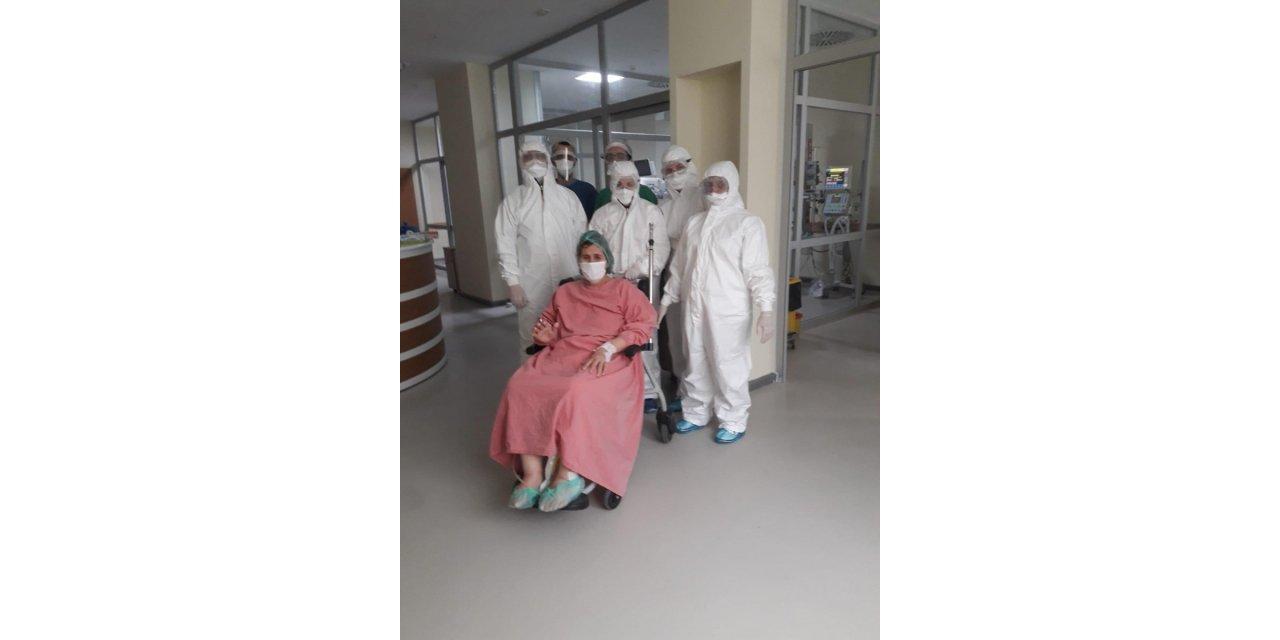 63 yaşındaki hasta, solunum cihazından ayrılarak, normal servise alındı