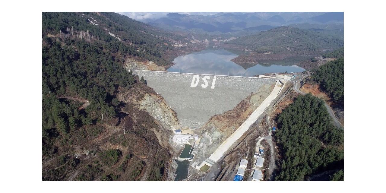 Hatay'da barajlar su tutuyor