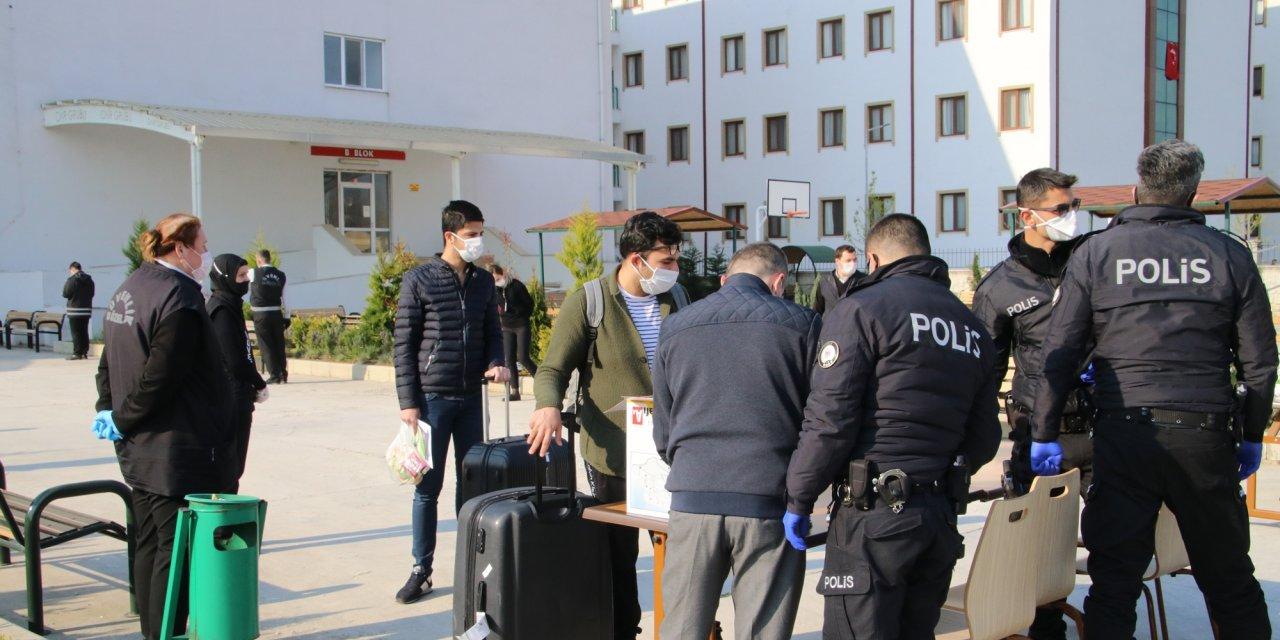 Düzce'de karantina süreleri dolan 467 kişi evlerine gönderildi