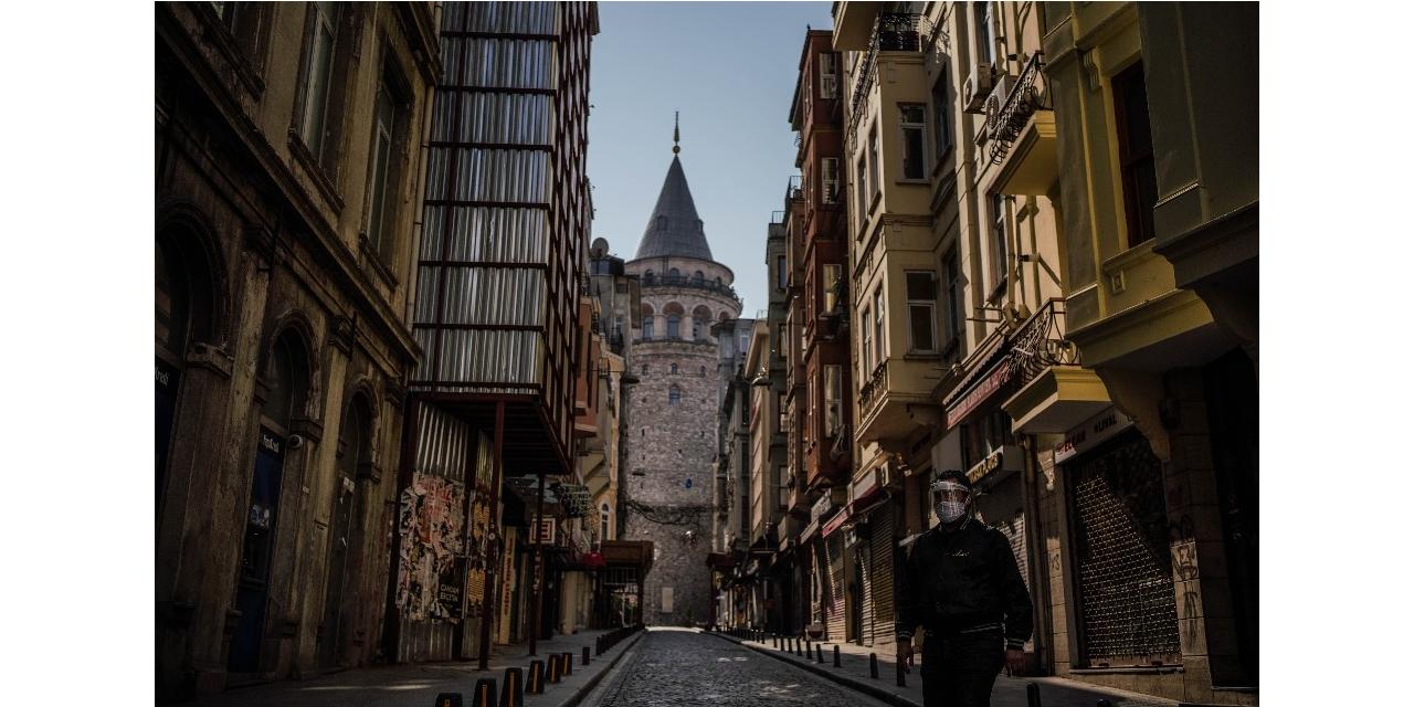 1500 yıllık Galata Kulesi yalnız kaldı