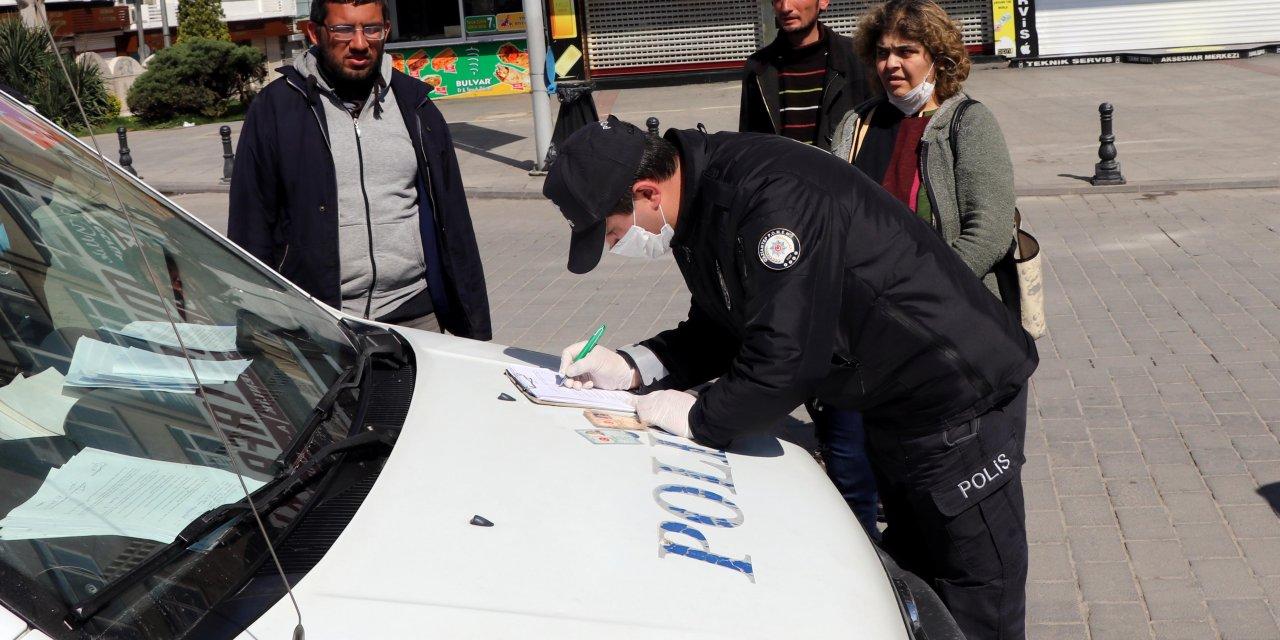 Gaziantep'te sokağa çıkan vatandaşlara ceza yazıldı