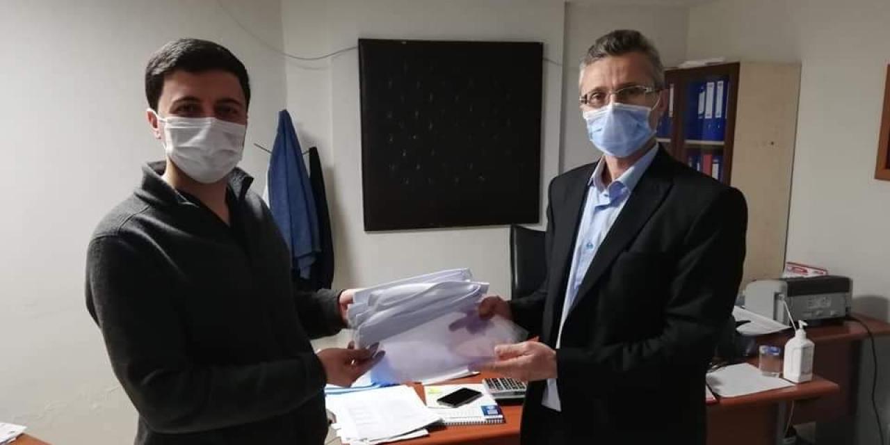 Hizmet-İş'ten sağlık çalışanlarına siperlikli maske