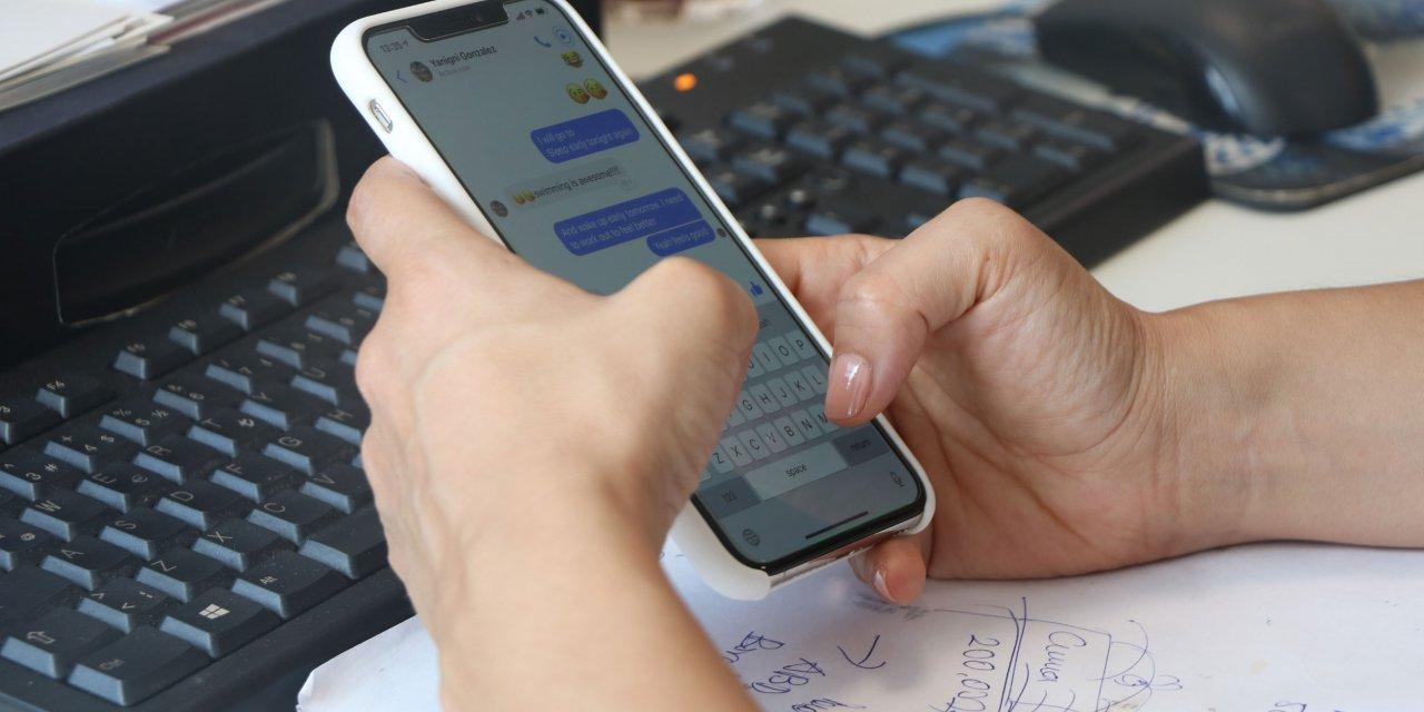 Karantinada telefon bağımlılığı 2 kat arttı, omurgaya dikkat