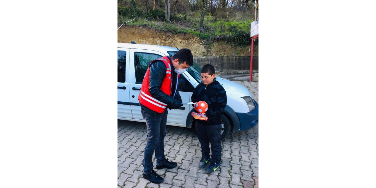 Küçük Muhammet, vefa destekten top ve tombala istedi