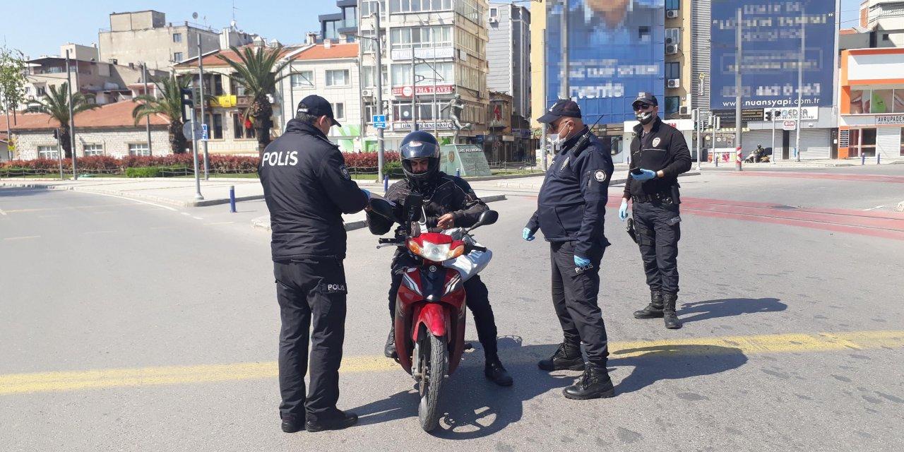 Yasağın ardından İzmir sessiz bir güne uyandı