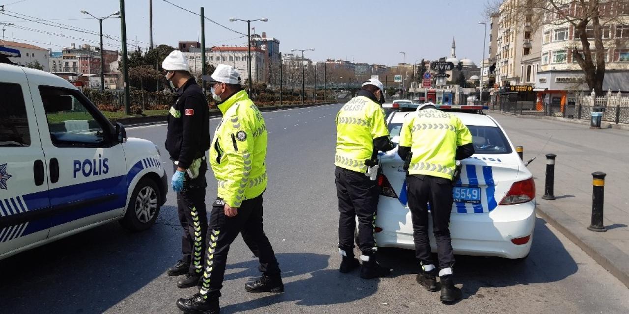 Sokağa çıkma yasağını ihlal eden 2 kişiye para cezası