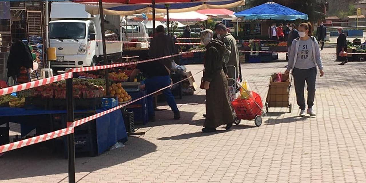 Bayırköy'de pazara sosyal mesafe ayarı