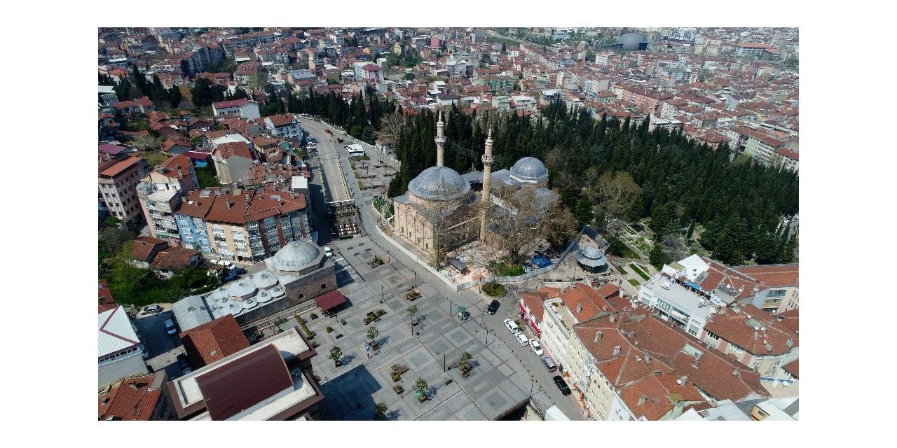 Bursa'da tarihi yerler sessizliğe büründü