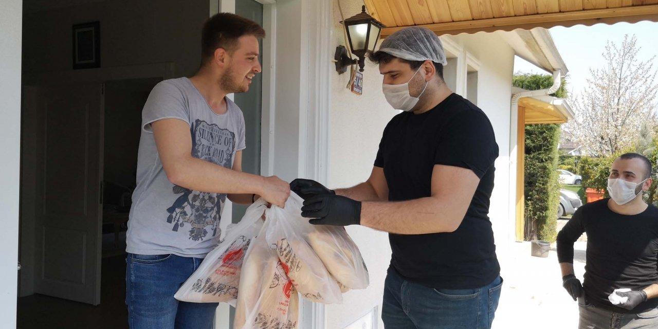 Bursa'da fırıncılardan evlere ekmek servisi