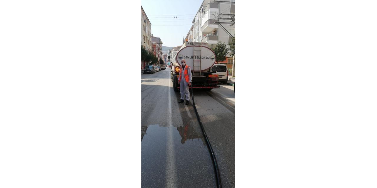 Bursa'da boş caddelerde büyük temizlik