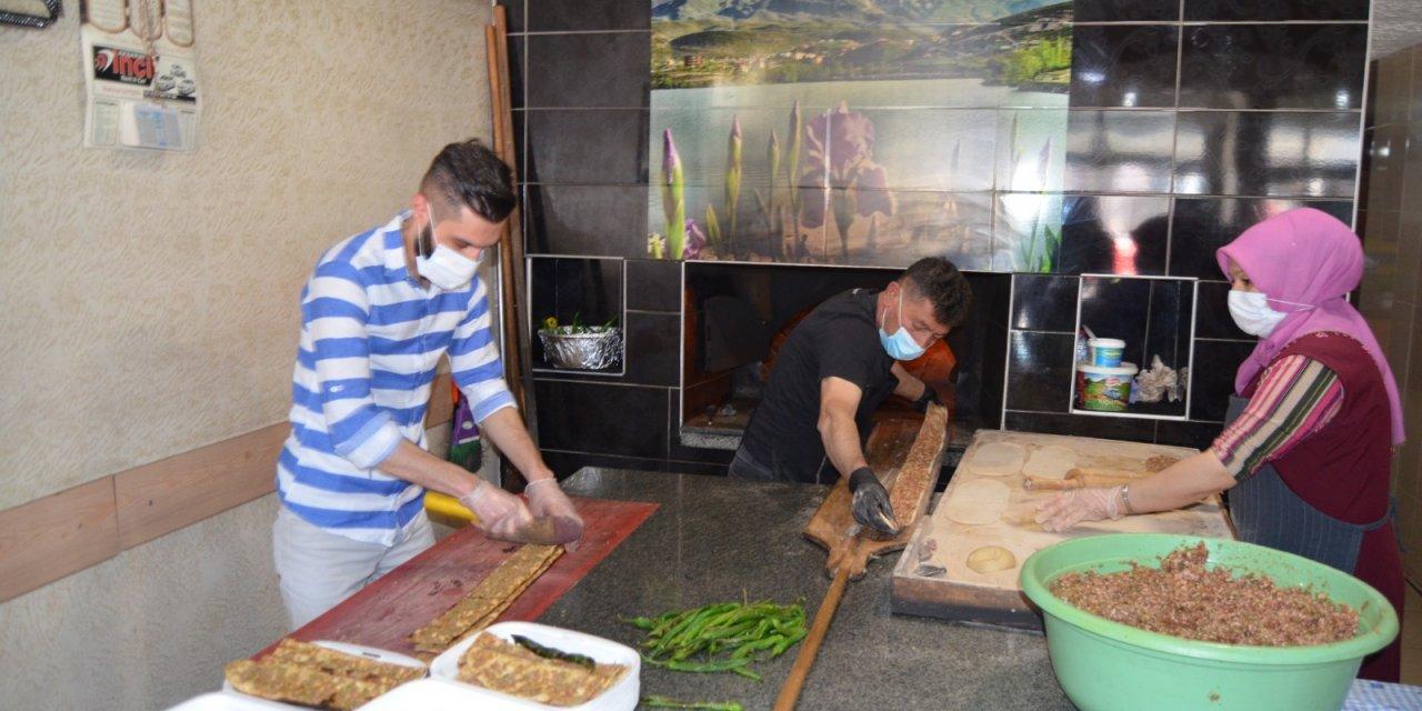 Aksaray'da sağlık çalışanlarına etli ekmek jesti