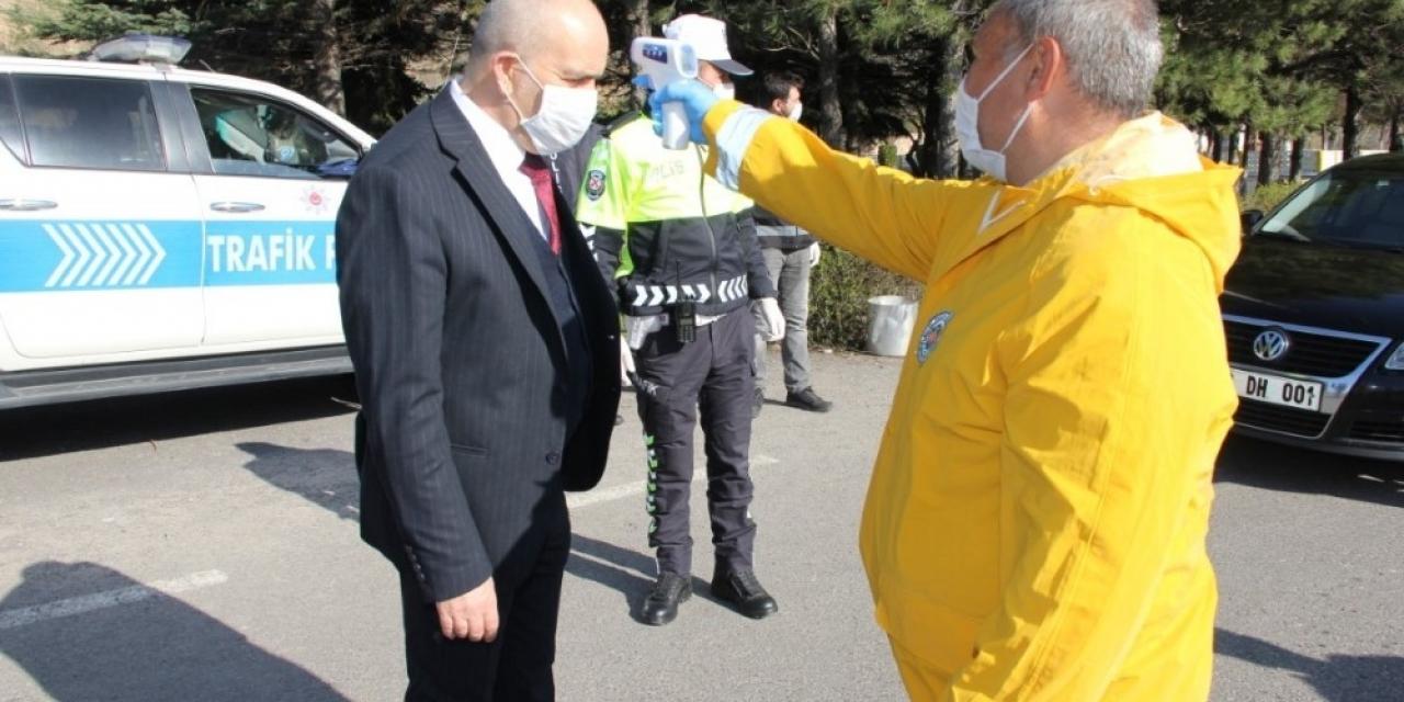 Emniyet Müdürü Artunay, kontrol noktasını denetledi