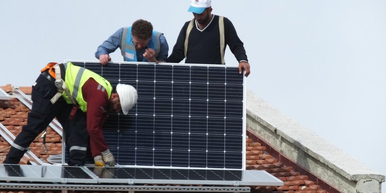 Burhaniye'de Mesleki Eğitim Merkezi kendi elektriğini üretmek için santral kurdu
