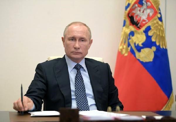 Rusya'dan koronavirüs anketi: Putin güven kaybediyor