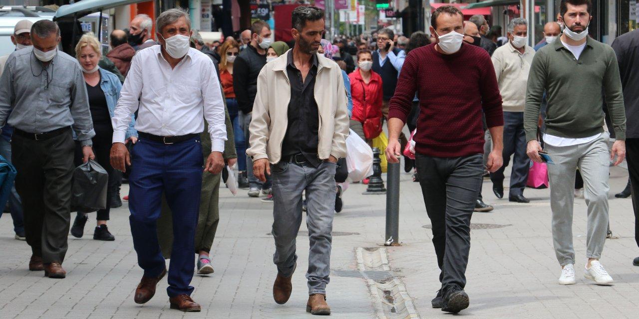 Samsun'da, yasak sonrası alışveriş yoğunluğu