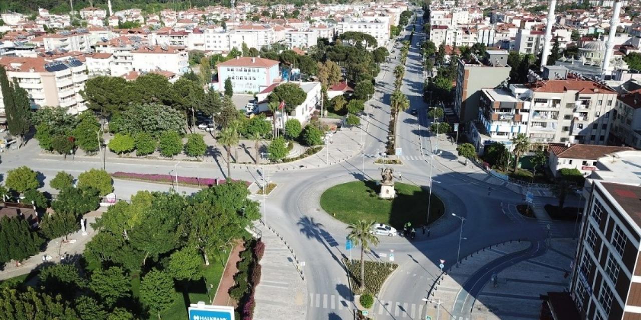 Ortaca'da sokağa çıkma kısıtlaması drone ile havadan görüntülendi